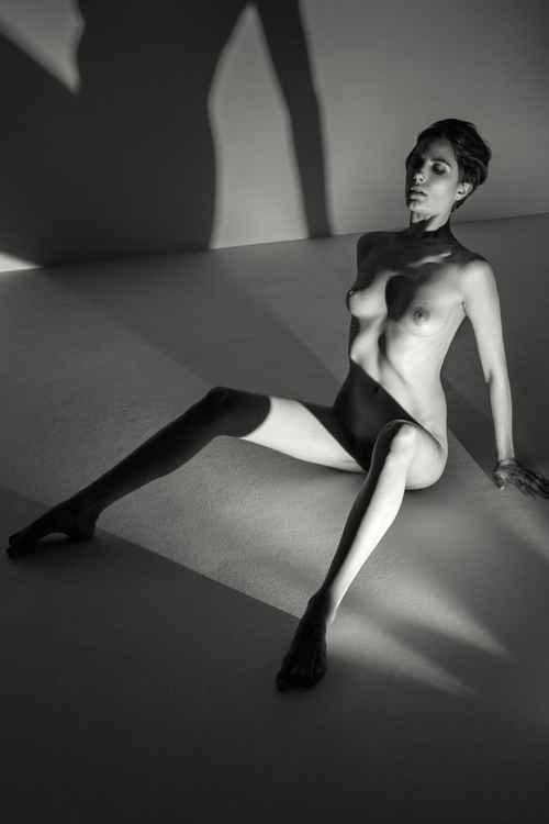 Nude - Roarie  I 1/30 -