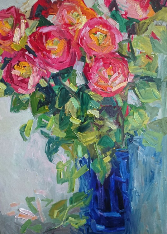 Roses in the blue vase - Image 0