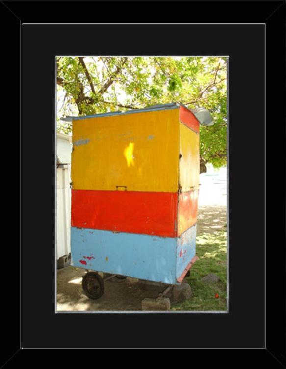 colourful cabin - Mauritius - framed - Image 0