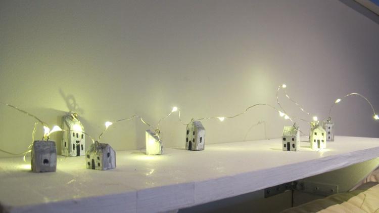 wooden house fairy lights LED battery run - Image 0