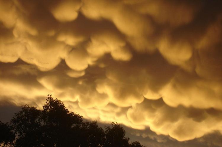 Storm clouds over Lightning Ridge - Image 0