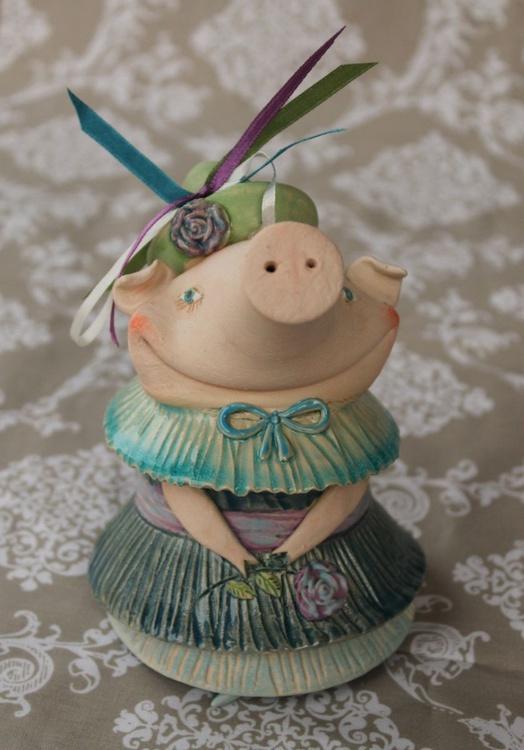 Pig in Blur - Image 0