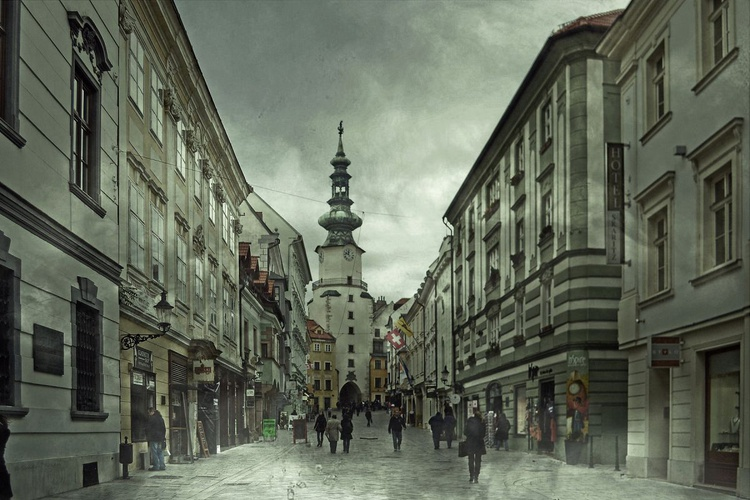 Old Town of Bratislava I - Canvas 75 x 50 cm - Image 0