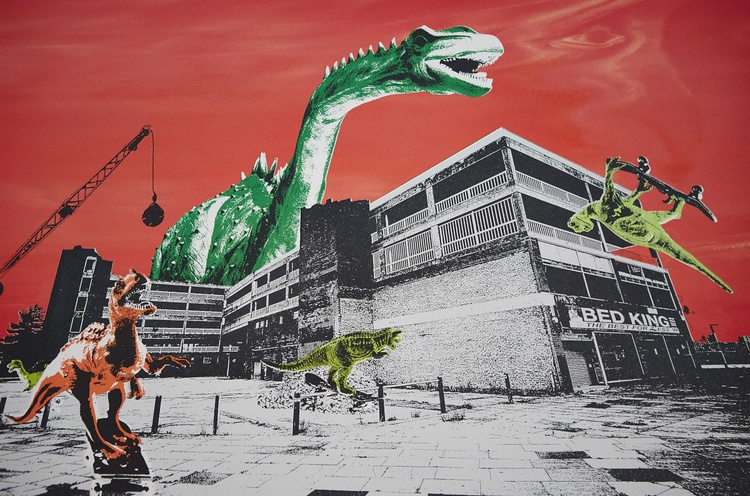 Teville Gate Dinos - Image 0