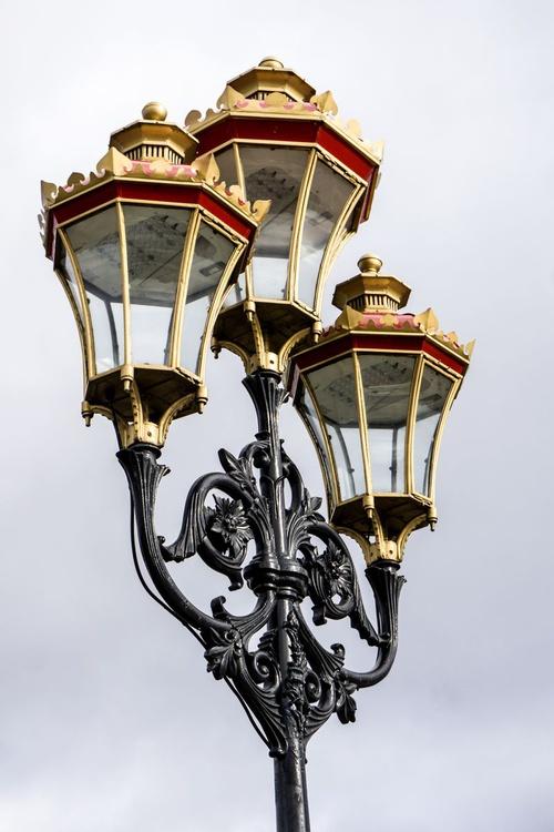 "Putney Streetlamp Limited edition  1/20 12""x18"" - Image 0"