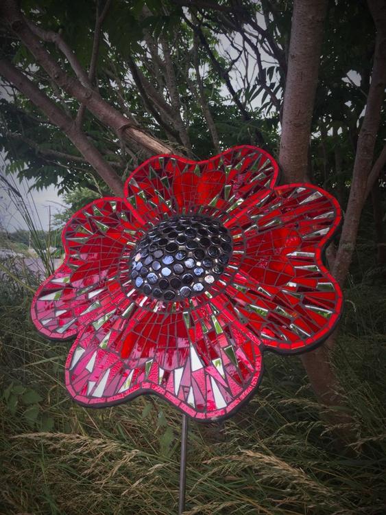 Poppy Sculpture - Image 0