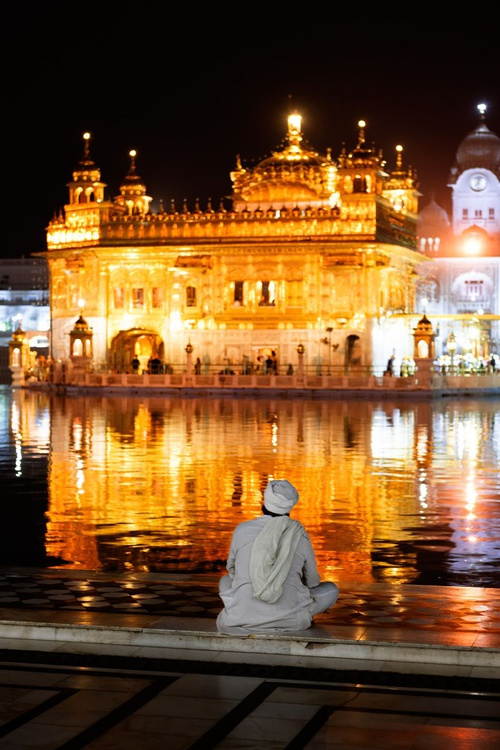 The Golden Temple I (21x29cm) - Image 0