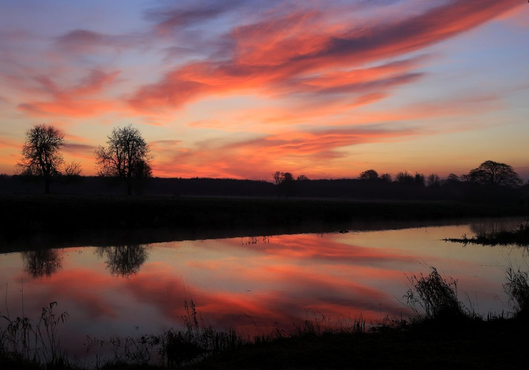 Dawn Reflections On The Lake - Image 0