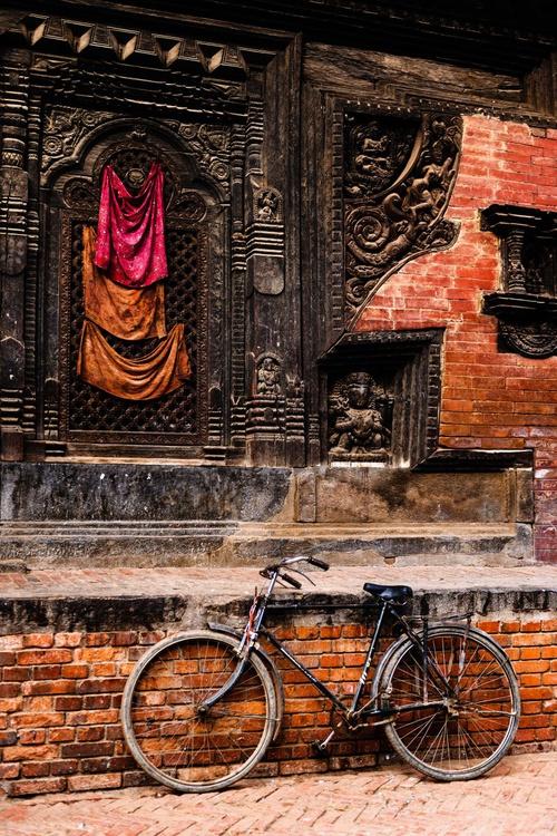 Durbar Square, Bhaktapur. (42x59cm) - Image 0