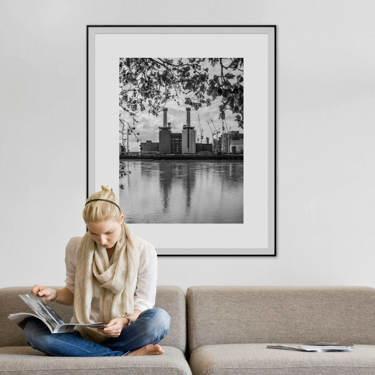 """BATTERSEA POWER STATION  2015 B&W NO2  Limited edition  1/20 30""""X40"""" - Image 0"""