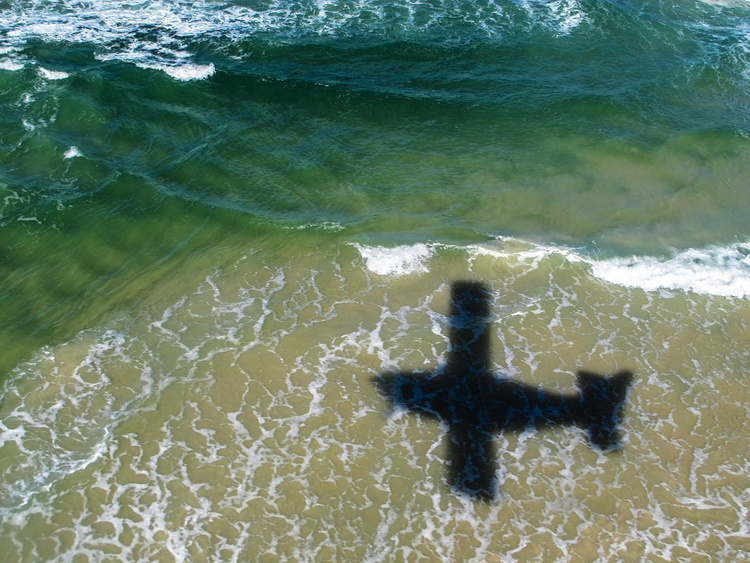 "FLYING OVER: Fraser island (Limited edition  3/20) 16"" X12"" - Image 0"