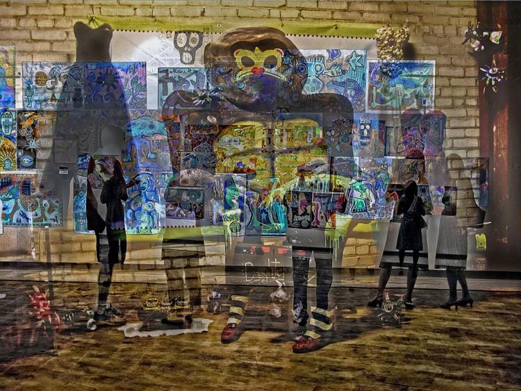 Gallery Gorilla - Image 0