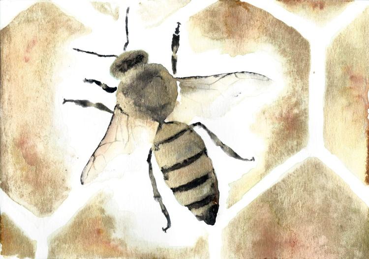 Gold honey bee 02 - Image 0