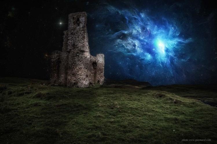 The ancient castle / paper - Image 0