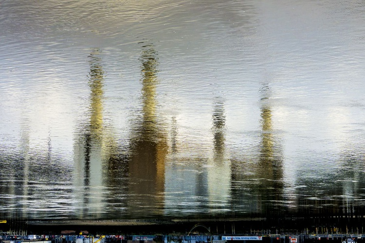 "BATTERSEA WATER 2015 Limited edition  3/50 30""x20"" - Image 0"