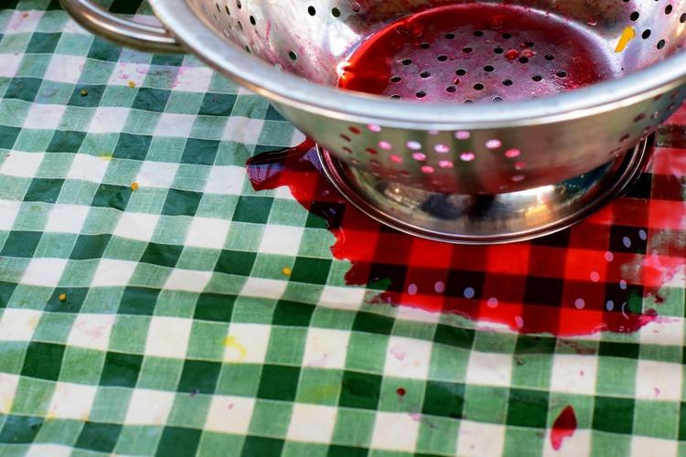 Messy Kitchen - Image 0