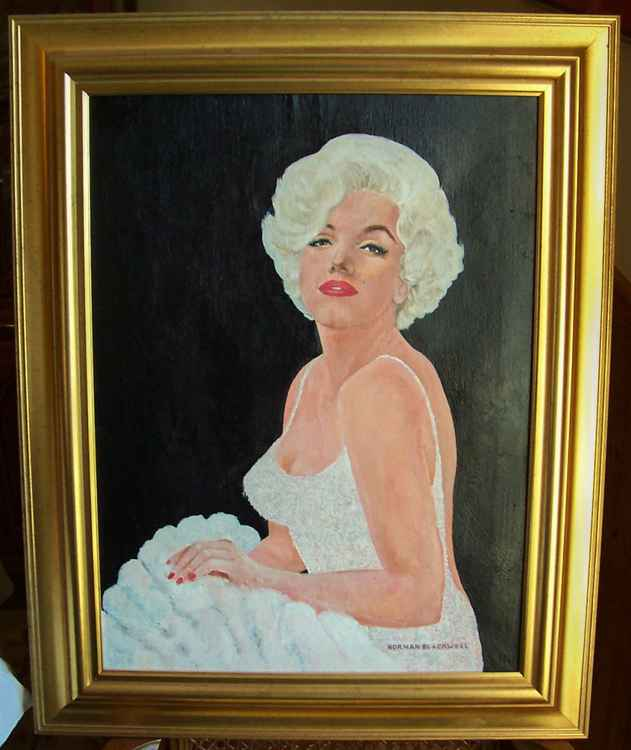 Marilyn in White -