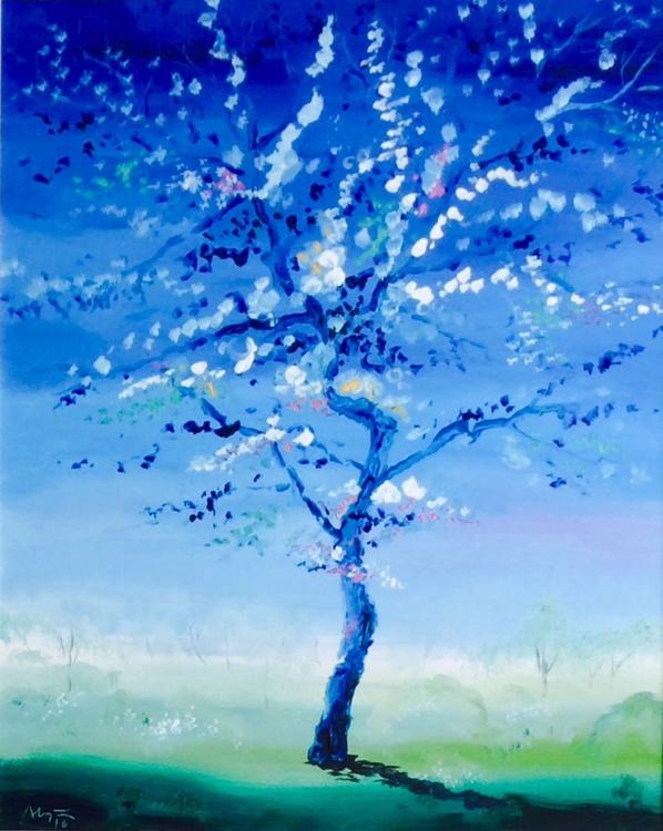 Big blue tree - Image 0