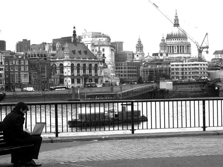 """TAKING THE OFFICE OUTSIDE (Southbank LONDON) 1/50 16"""" x 12"""" - Image 0"""