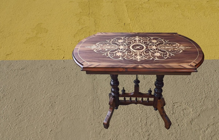 Marquetry floral ornament in furniture - Image 0