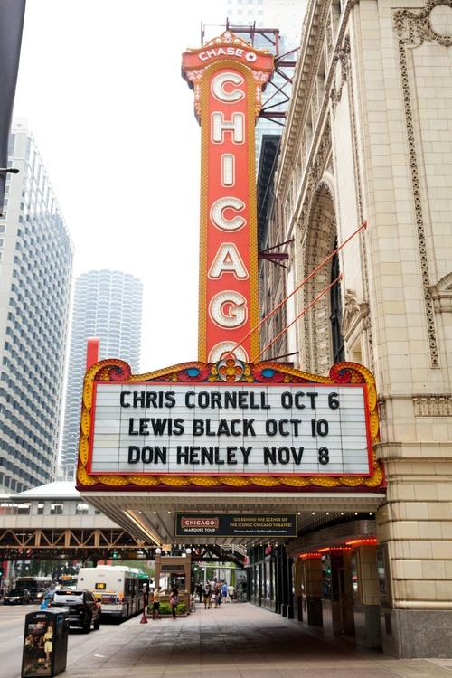 Chicago Theatre - Image 0