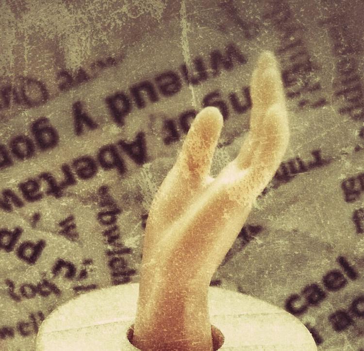 Hand - Image 0