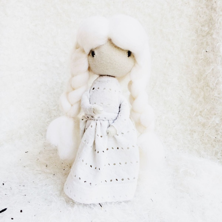 Poseable Ooak Doll with unique cloth white - Image 0