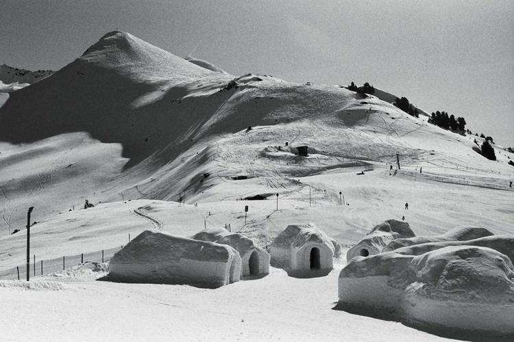 Ice Hotel - Image 0