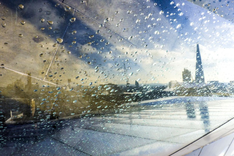 "THE SHARD (Rainy day)  ( LIMITED EDITION 1/20) 18""x12"" - Image 0"