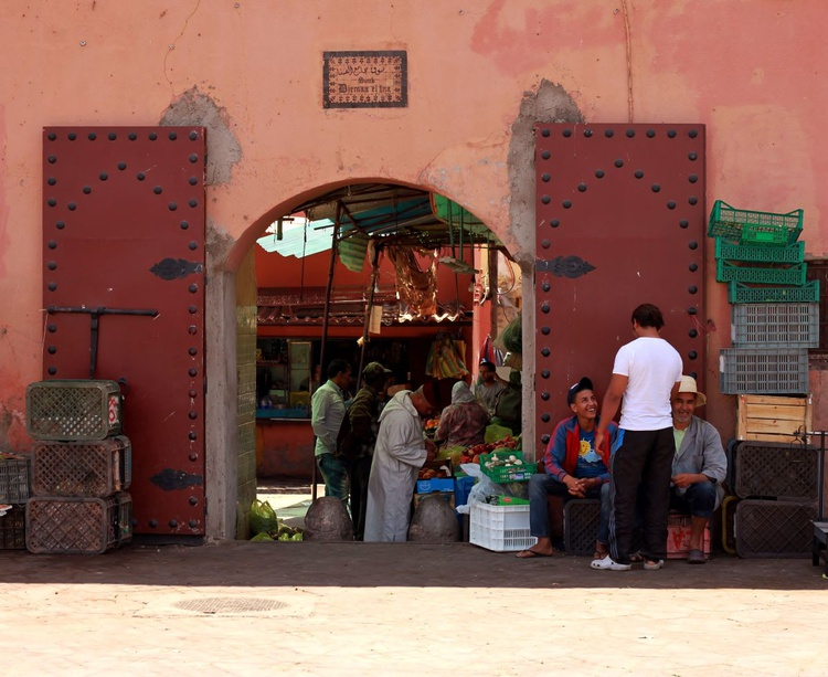 In the Souk - Image 0