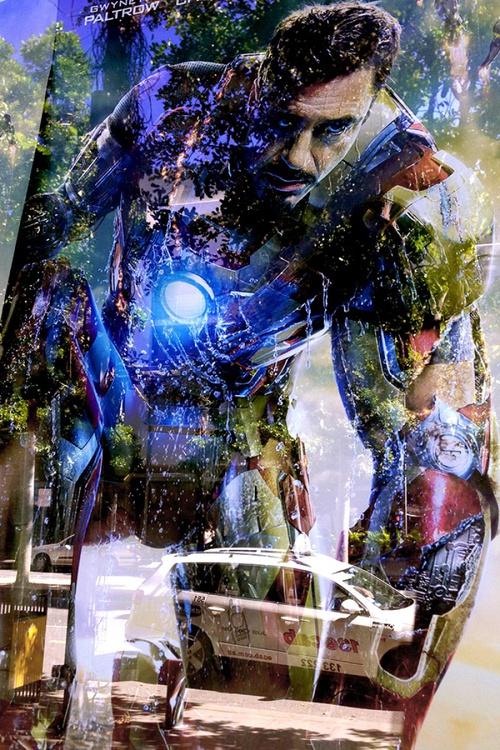 IRON MAN   (Limited edition  2/200) 12X8 - Image 0
