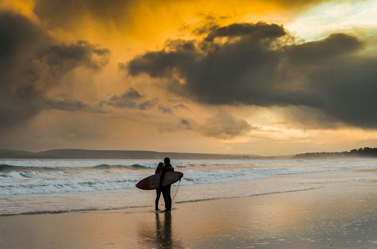 SURFER'S IN LOVE - Image 0