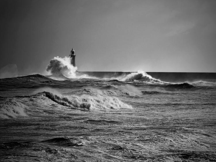 pier through - Image 0