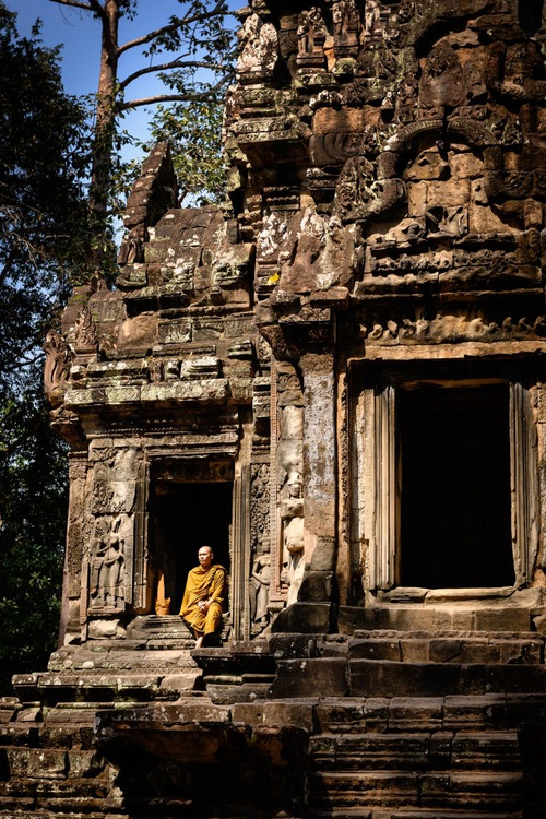 Thommanon, Siem Reap. (42x59cm) - Image 0