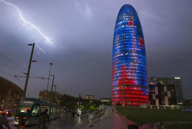 Nigth 18 Barcelona - Image 0