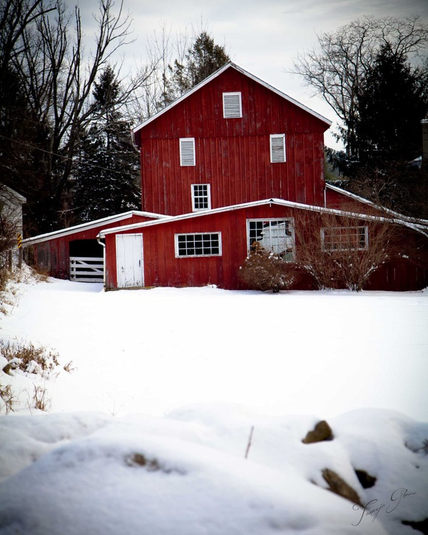 Red House in Snow - Image 0