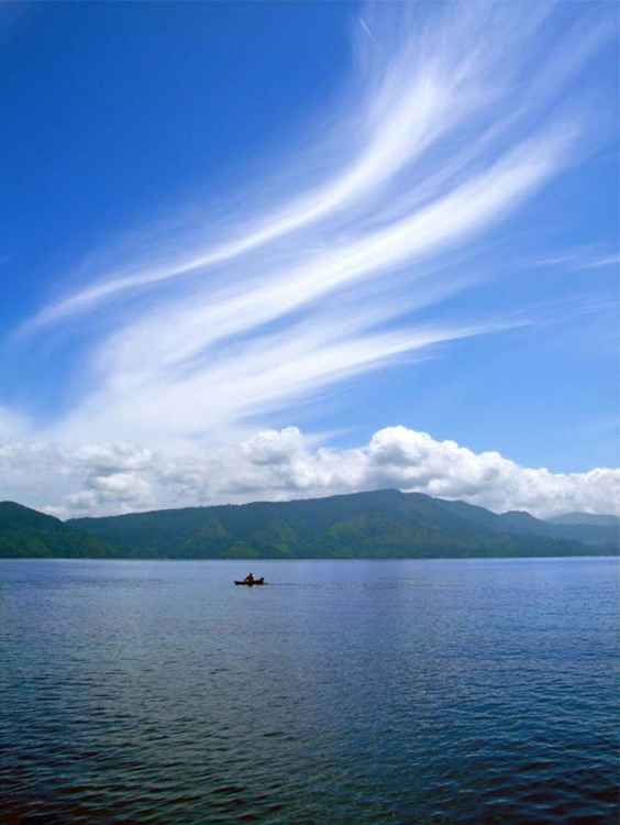 FISHING ON LAKE TOBA - SAMOSIR ISLAND, SUMATRA  -