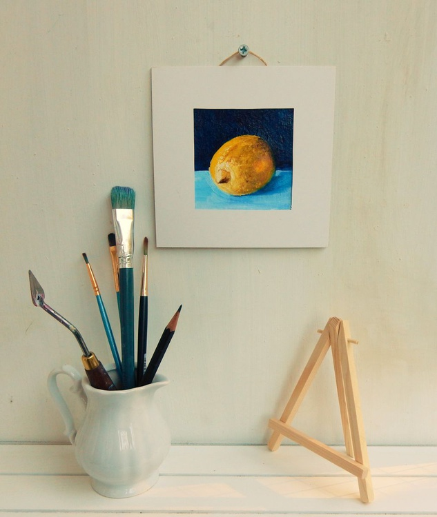 Lemon on blue. Miniature. Easel is included. Gift painting. Ready to hang. - Image 0