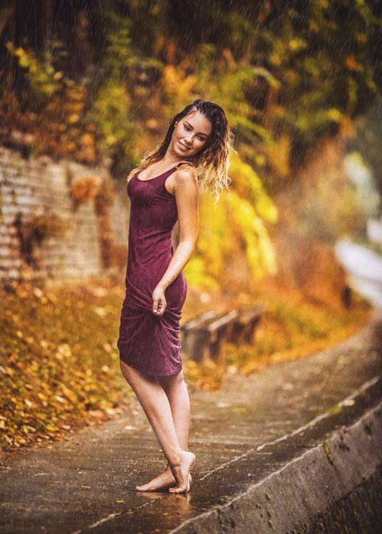 Lady in the rain III - Image 0
