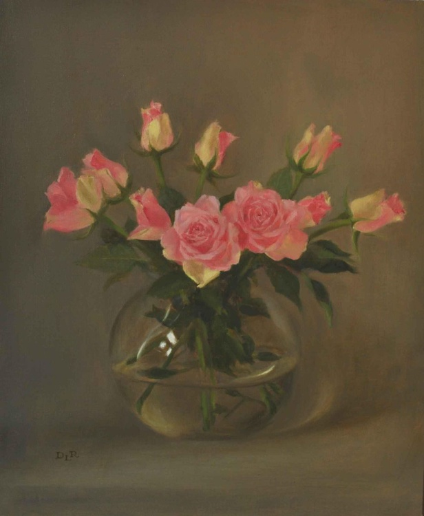 Roses in a glass vase - Image 0