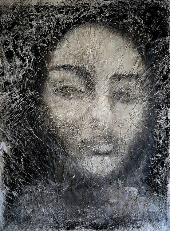Old photo crumpled girl (n.230) - abstract portrait - 60 x 80 x 2,50 cm - ready to hang - acrylic painting on stretched canvas - Image 0