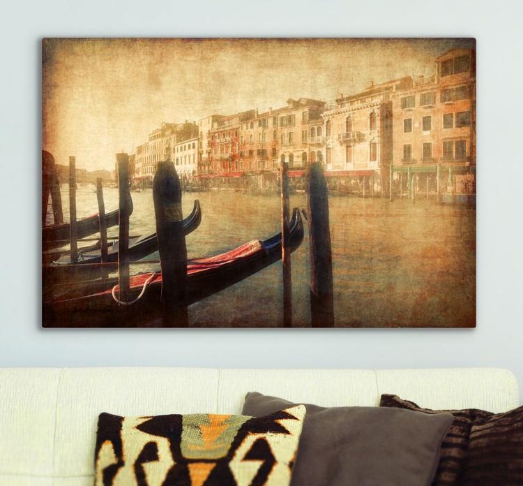 Venice in light Canvas - Image 0
