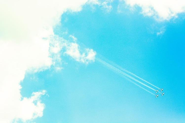 """Aerial Show"" - Image 0"