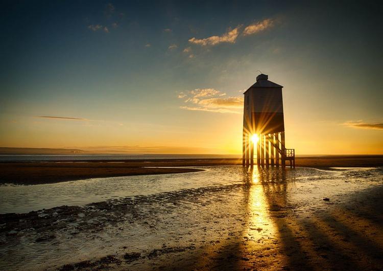 Burnham-on-Sea Low Lighthouse - Image 0