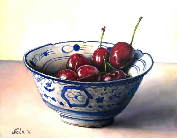 Cherries in the bowl
