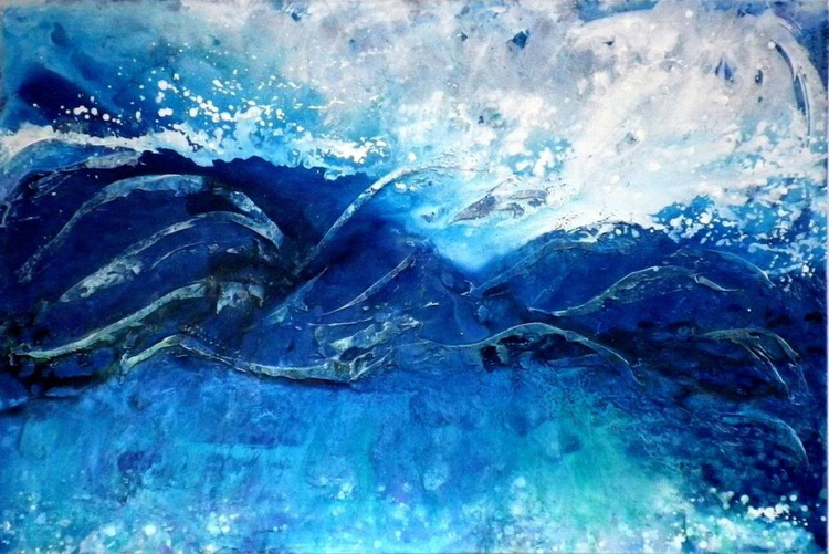 Crashing Waves - Image 0