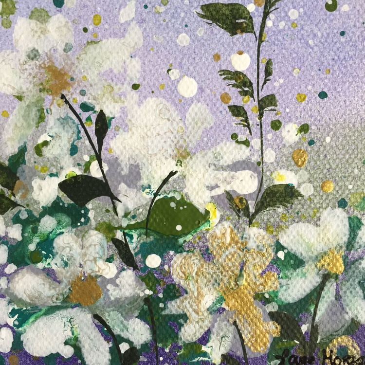 Mini white and gold floral - Image 0