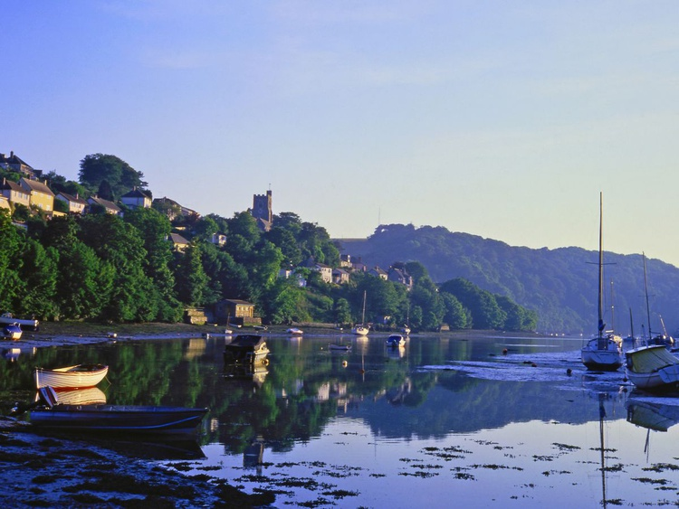 L'Heure Bleue at Noss Mayo - Image 0