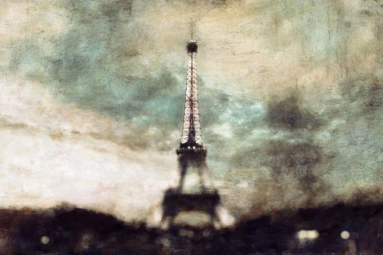 Eiffel sunset skies - Image 0