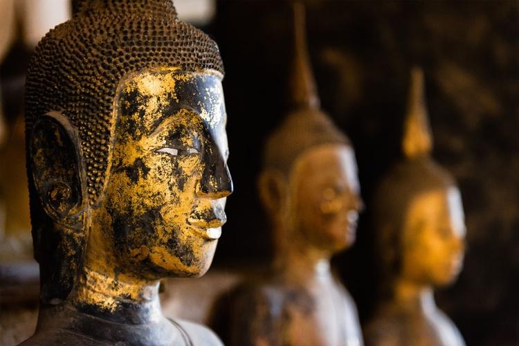 Wat Wisunalat, Luang Prabang. (119x84cm) - Image 0